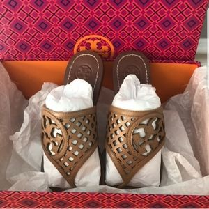 Tory Birch Thatched Logo Tan Sandals size 6